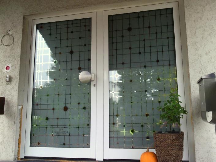 Haus-Eingangstür ALU weiß mit Spezialgläsern